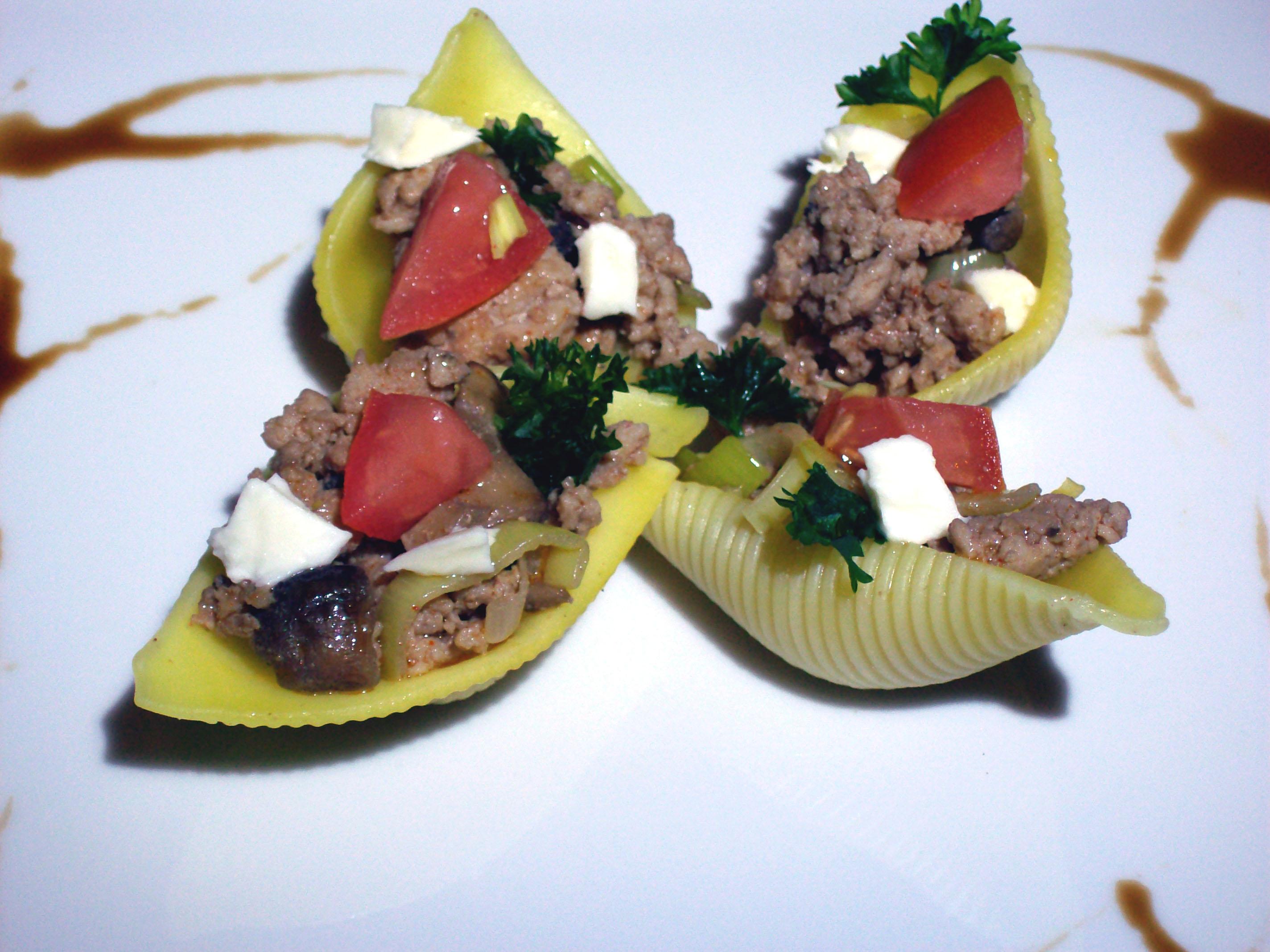 Conchiglioni mięsno-warzywne
