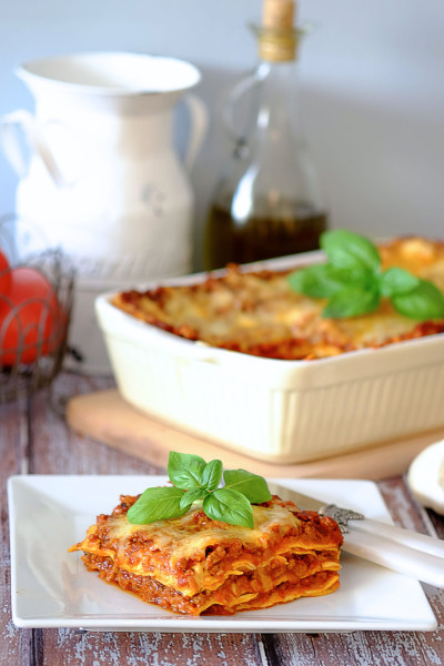 Lazania bolońska (lasagne bolognese)